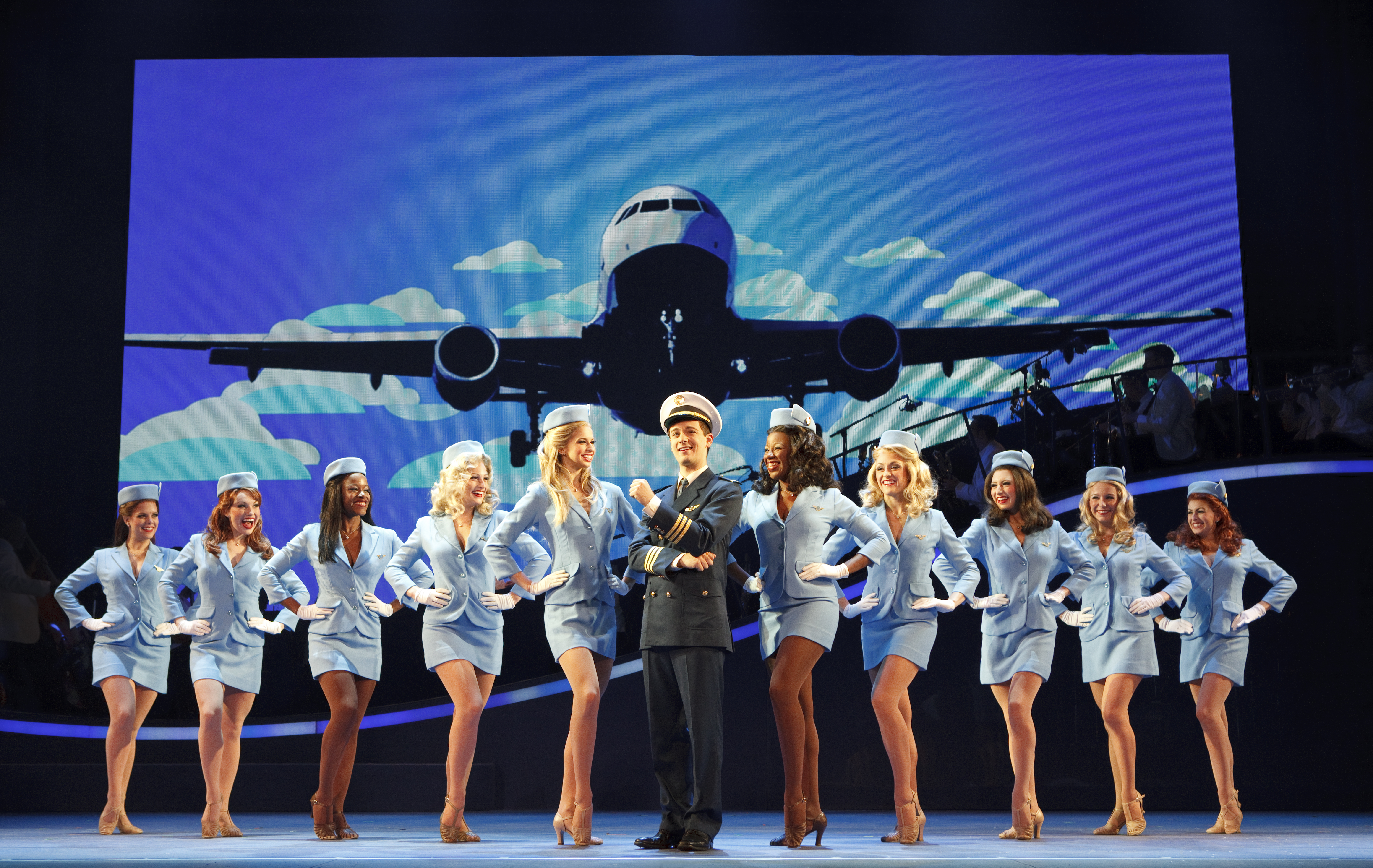catch me if you can Based on a true story, frank w abagnale was employed as a doctor, a lawyer, and as a co-pilot for a major airline company-all before reaching his 21st birthday a successful con artist and master of deception, frank is also a brilliant forger, whose skill at check fraud has netted him millions of dollars in.